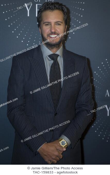 NASHVILLE, TN - Luke Bryan arrives on the red carpet at the 2017 CMT Artists of the Year at the Schermerhorn Symphony Center in Nashville, TN