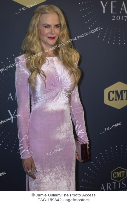NASHVILLE, TN - Nicole Kidman arrives on the red carpet at the 2017 CMT Artists of the Year at the Schermerhorn Symphony Center in Nashville, TN