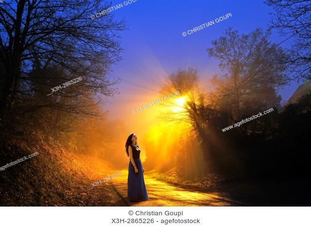 jeune femme, hameau du departement d'Eure-et-Loir, region Centre-Val-de-Loire, France, Europe/young woman, hamlet in Eure-et-Loir department
