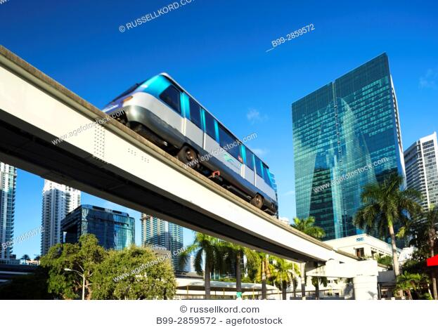 METROMOVER CARRIAGE ELEVATED MONORAIL FINANCIAL DISRTICT MIAMI FLORIDA USA