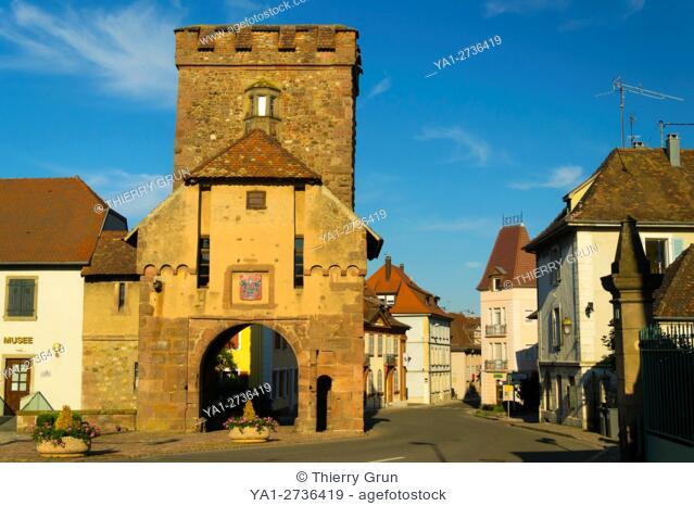 France, Haut-Rhin (68), Cernay village, Medival city gate
