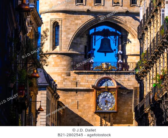 """France, Aquitaine, Gironde. """"""""Grosse Cloche"""""""" on """"""""Porte Saint Eloï"""""""" gate at Bordeaux. Pilgrimage way to Santiago de Compostela"""