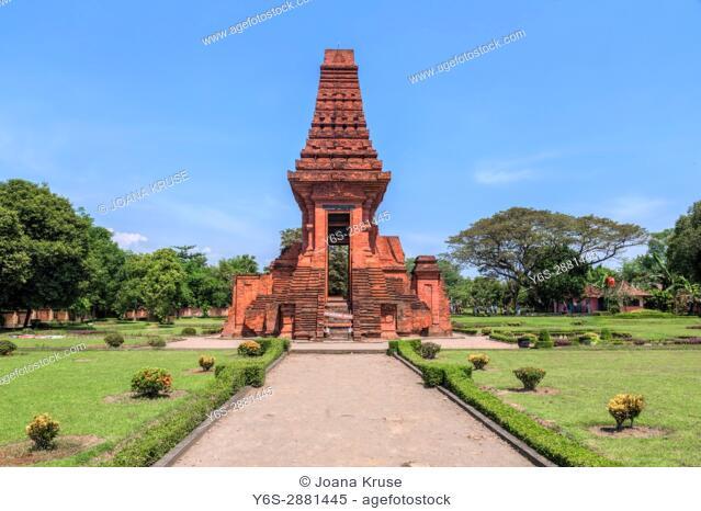 Bajang Ratu temple, Trowulan, Majapahit, Java, Indonesia, Asia