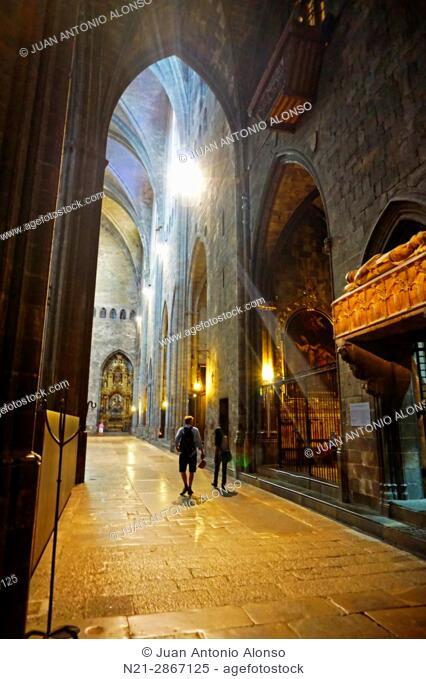 Cathedral of Santa María de Girona interior. Girona, Catalonia, Spain, Europe