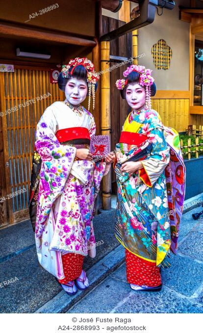 Japan, Kyoto City, Geishas